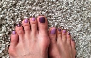 疲れた時は癒しカラーのスモーキーな紫がいいらしい。確かに心落ち着くような気がします。